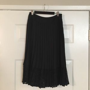 Pleated Express skirt size 4